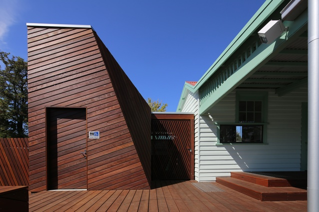 Maidstone Tennis Pavilion (VIC) by Searle x Waldron Architecture.