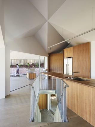 House in Hamilton (QLD) by Phorm Architecture and Design with Tato Architects.