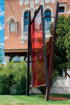 Twelve tonnes of steel and glass were used in making the Venetian sculptures.