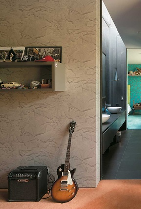 An ensuite bathroom links the children's bedrooms.
