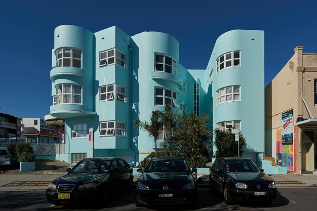 Perched inside a turquoise art deco building, McNab's apartment, located in Sydney's iconic Bondi suburb, underwent an extensive renovation.