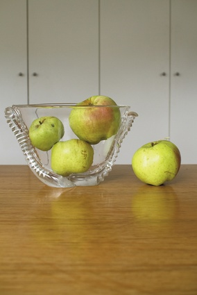 Vessel and apples.
