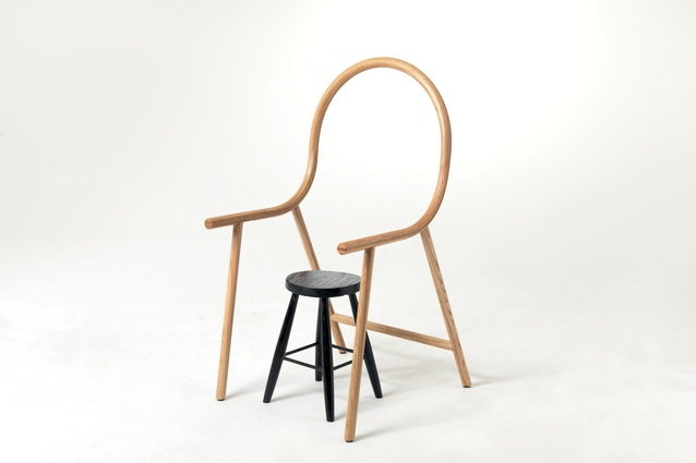 Arm anti-chair – designed to fit over any everyday seat.